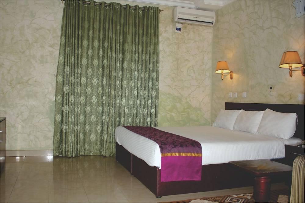 Bestway Luxury Suites