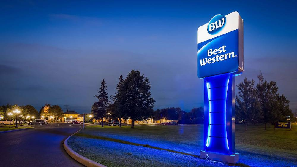 Best Western Parkway Inn & Conference Centre