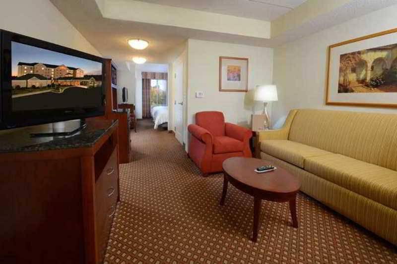 Hilton Garden Inn Greensboro - Foto 2