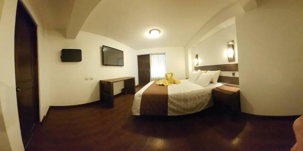 La Cabaña Hotel